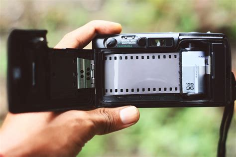 Analog Photographer get started shooting a guide to analog photography