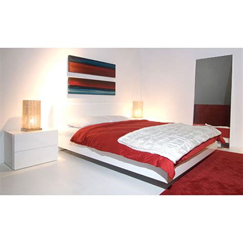 float bed float queen platform bed in high gloss white dcg stores
