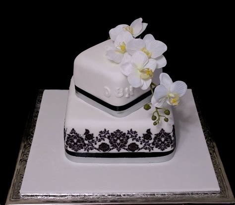True Local: Brisbane Wedding Cakes Image   2 tier square