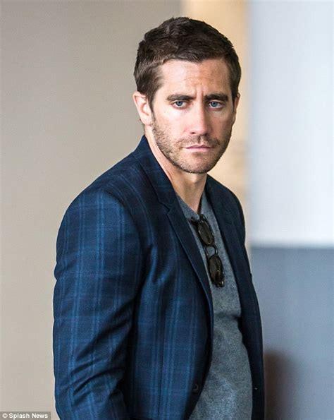 imagenes de jack gyllenhaal jake gyllenhaal looks dreamyon the new york set of his