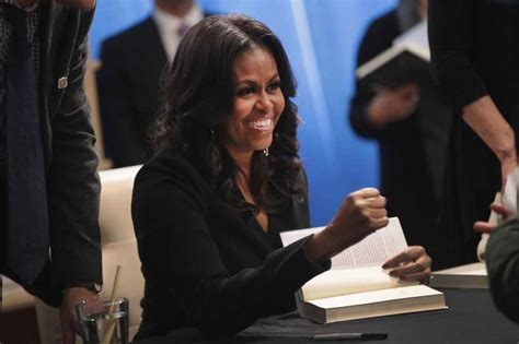 michelle obama tour review review michelle obama s becoming is a political spouse