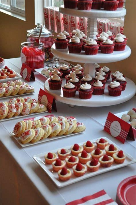 mesas de dulces como decorarlas 50 ideas para decoraci 243 n de primera comuni 243 n ni 241 o y ni 241 a pin de ideas para mis xv quincea 241 era ideas en decoraci 243 n de mesa de postres en color
