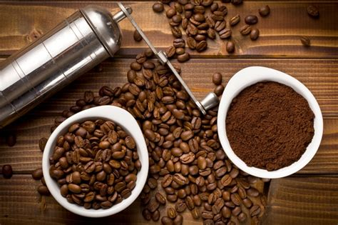 10 ways to reuse coffee grounds and tea leaves home wizards