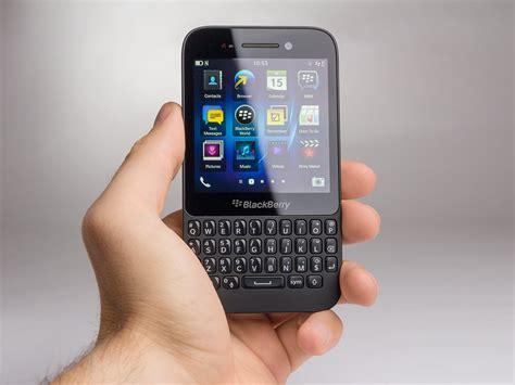 blackberry q5 blackberry q5 review