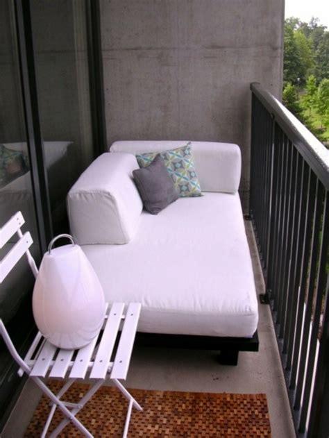kleiner balkon einrichten balkongestaltung als teil der wohnungseinrichtung