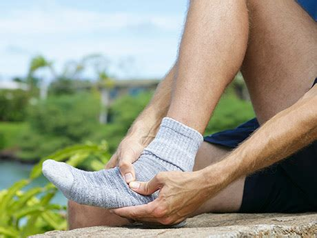 boat shoes hurt back of foot runners and foot injuries 4 causes of foot pain active
