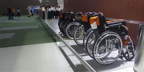Kursi Roda Area Kediri kursi roda dapat dipinjamkan di terminal 3 new bandara soekarno hatta kompas