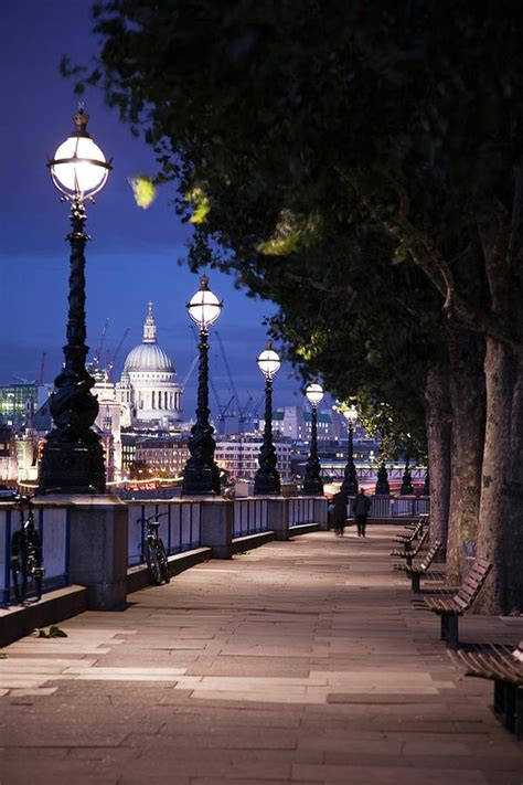 Thames River Walk London | queens walk thames river london enjoy wanderlust