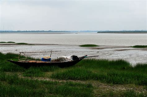 fishing boat rules in india fishing boat rupnarayan river west bengal india