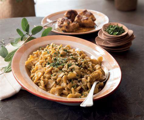 italiani fatti in casa ricetta corzetti fatti in casa al sugo di coniglio e