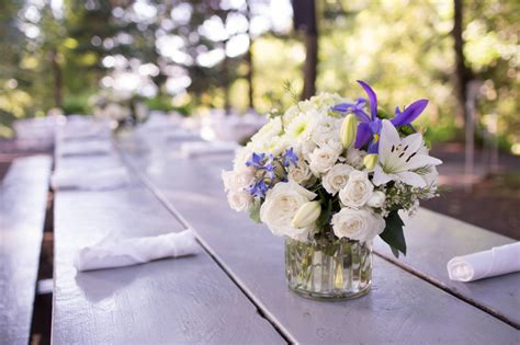 inexpensive diy wedding centerpieces inexpensive ways to diy your wedding centerpieces zing
