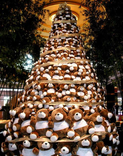 christmas tree decorated with teddy bears images