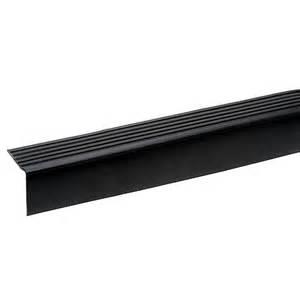 nez de marche en vinyle noir pour bordure d escalier 3 rona