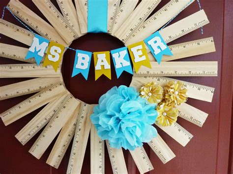 diy crafts for teachers gift idea personalized ruler wreath