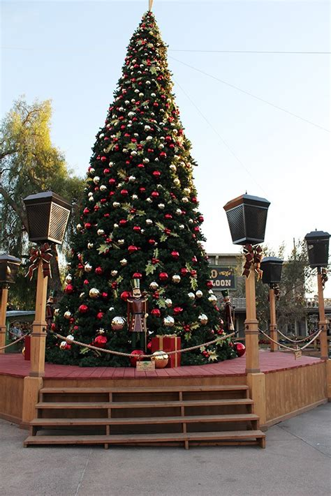 farmers weekly xmas theme 14 delicious foods to try and also things to do at knott s merry farm savvy in the kitchen