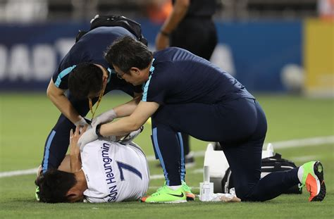Tottenham forward Heung-min Son suffers injury blow on ... Fractured Wrist Treatment