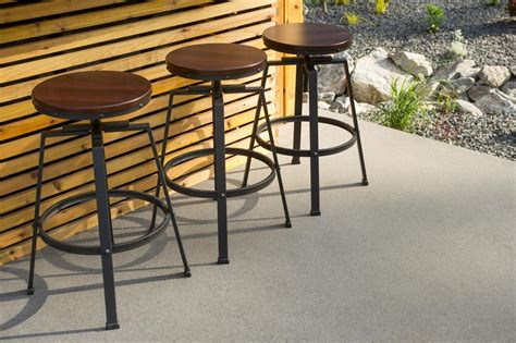 outdoor kitchen bar stools outdoor kitchen pictures from diy network blog cabin 2015