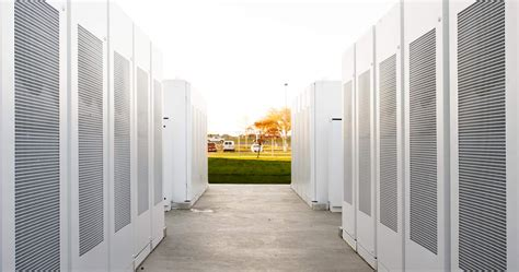 tesla wins contract for largest lithium ion battery