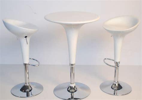 sgabelli bombo noleggio arredi per stand e fiere sedie sgabelli tavoli
