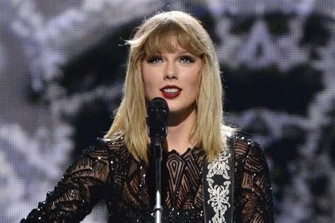 taylor swift in australia 2018 taylor swift confirms tour of australia and new zealand in