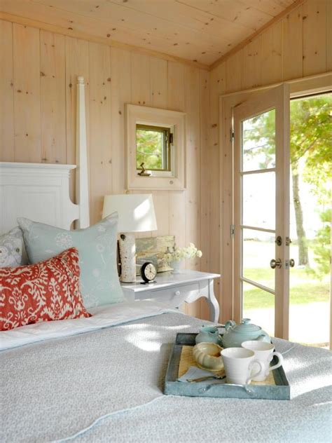 Cottage Home Decor by Cottage Decorating Ideas Hgtv