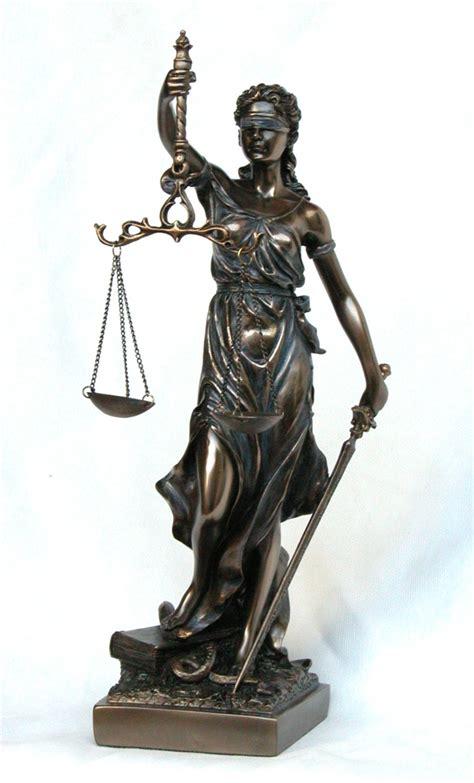 imagenes de la justicia griega diosa de la justicia 33x10x9cm venta de figuras decoraci 243 n
