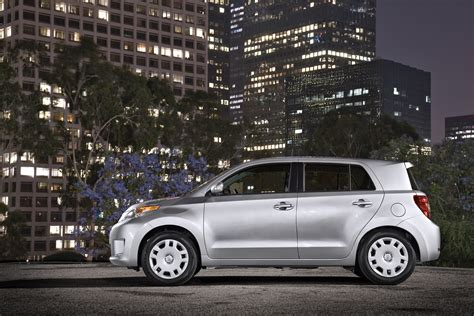 scion xd safety 2013 scion xd safety review and crash test ratings the