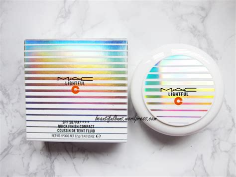 Mac Lightful Compact Powder review mac lightful c finish compact