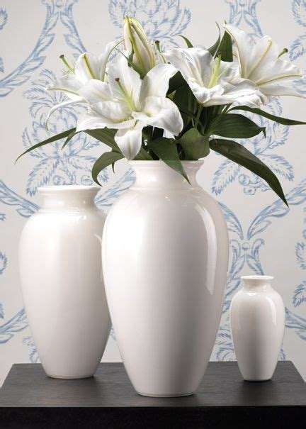 white lilies ideas  pinterest white lily