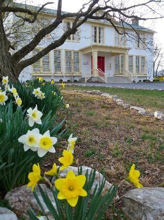 flint hill public house spring at the flint hill public house picture of flint hill public house flint hill