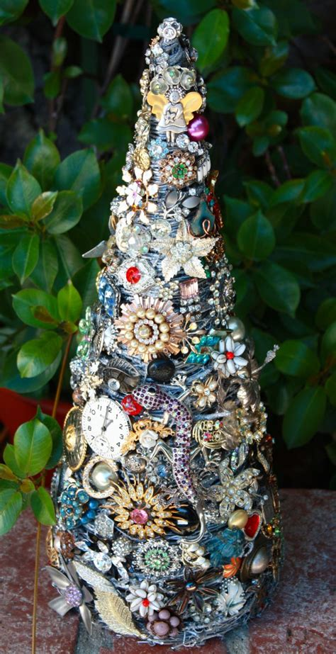 Jewellery Garden Decoration by 1000 Ideas About Jeweled Trees On