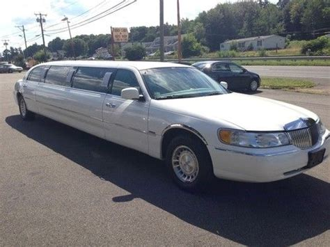 2000 lincoln limo find used 2000 lincoln town car limo 120 quot loaded livery