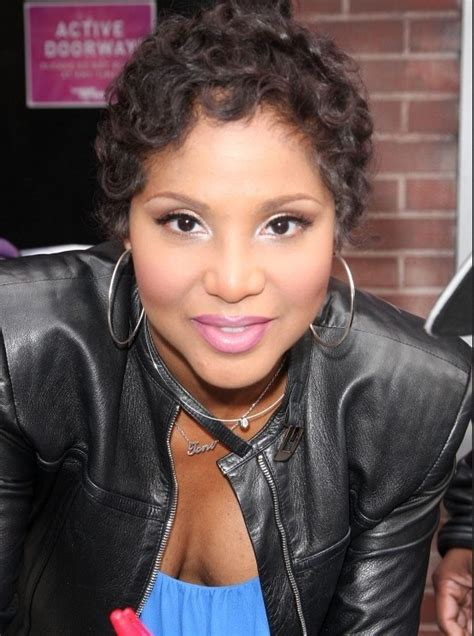 tame are braxton toni braxton natural short curly hairstyles for black