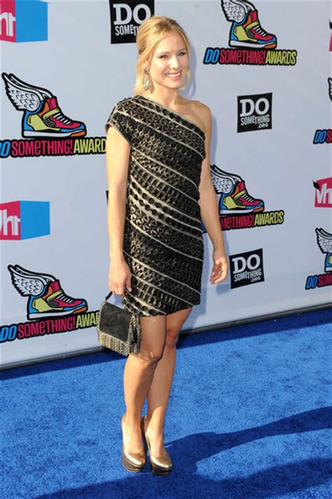 Kristen Bell Wears A by Kristen Bell Wears Beautiful Etro Dress