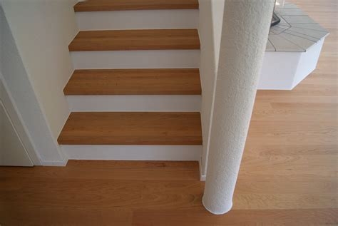 bodenbelã ge fã r treppen laminat f 252 r treppen treppe mit laminat belegen keller