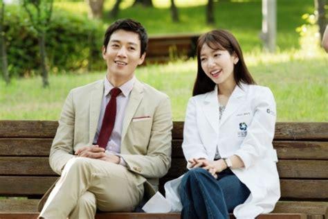 film korea terbaru dan sinopsis nya sinopsis drama korea terbaru doctors 2016 sosok bandel