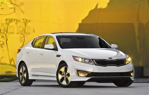 Kia Optima Fuel Mileage 2013 Kia Optima Hybrid More Space Improved Gas Mileage