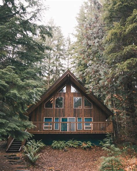 wood cabin best 25 wooden cabins ideas on log cabin home