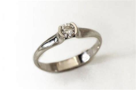 center engagement ring 14k white gold