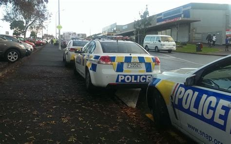 Car Dealers Glen Auckland Second Person Hit By In Auckland Today Radio New