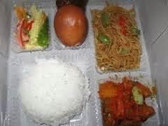 Nasi Box Ayam Bakar Eksklusif Aqua Cup catering aneka menu rumah srikandi