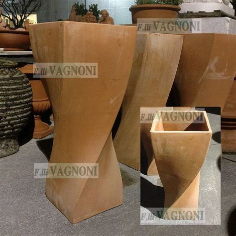 terracotta vasi vaso in terracotta toscana a treccia cm 97 vasotreccia