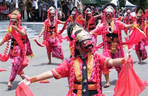 catatan bhayubajra indonesia mask festival
