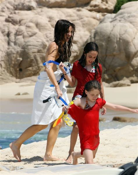 Kate Beckinsale Goes Back To The Pool by Sheen Photos Photos Kate Beckinsale Goes Scuba