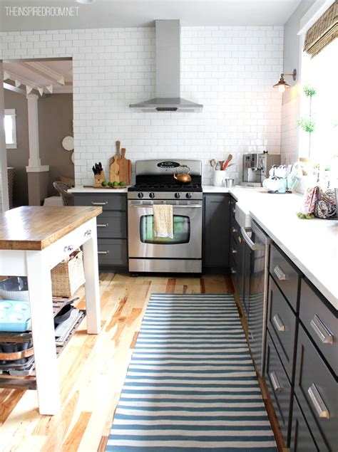 Gray Cabinets White Countertops by Kitchen With White Cabinets Gray Countertop