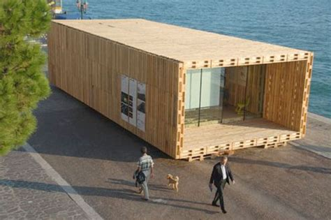 lookingblog pallet house by schnetzer andreas claus and