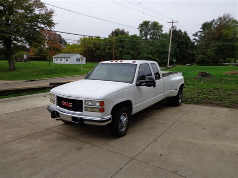 car maintenance manuals 2002 gmc sierra 3500 auto manual service manual how to sell used cars 1992 gmc 3500 head up display service manual how to