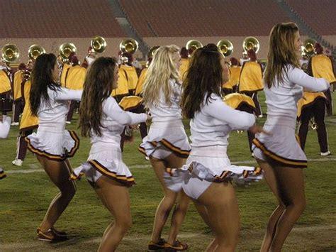 usc cheerleader not wearing underwear usc song girls bella pinterest sexy songs and girls