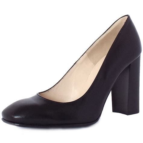 kaiser block heel court shoes in black
