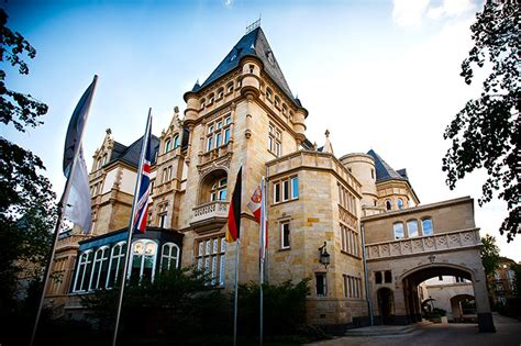 Vialla Frankfurt öffnungszeiten by Landmark In Frankfurt Villa Kennedy Forte Collection
